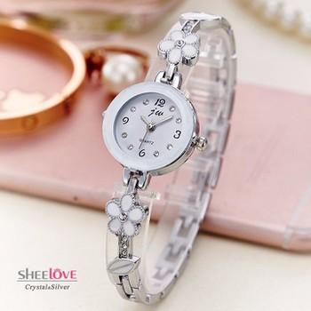 Đồng hồ dây lắc tay đính hoa thời trang dễ thương WH-8022