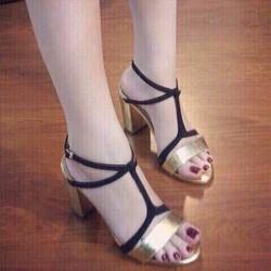 Giày gót vuông ành vàng - LN1119