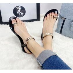 Giày sandal xỏ ngón vòng kim loại