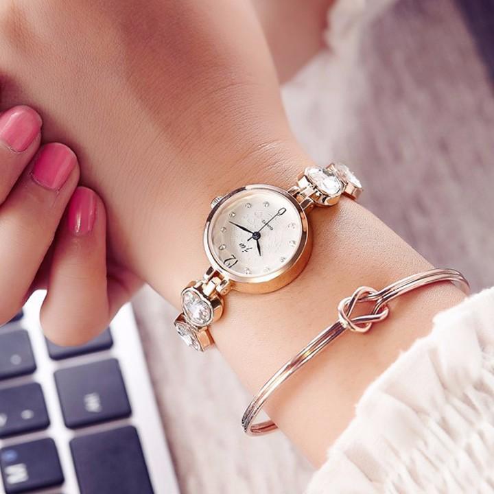 Đồng hồ nữ dây lắc tay thời trang đính đá trái tim WH-8189 9