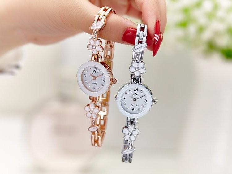 Đồng hồ nữ thời trang dây lắc tay đính hoa xinh xắn WH-8022 10