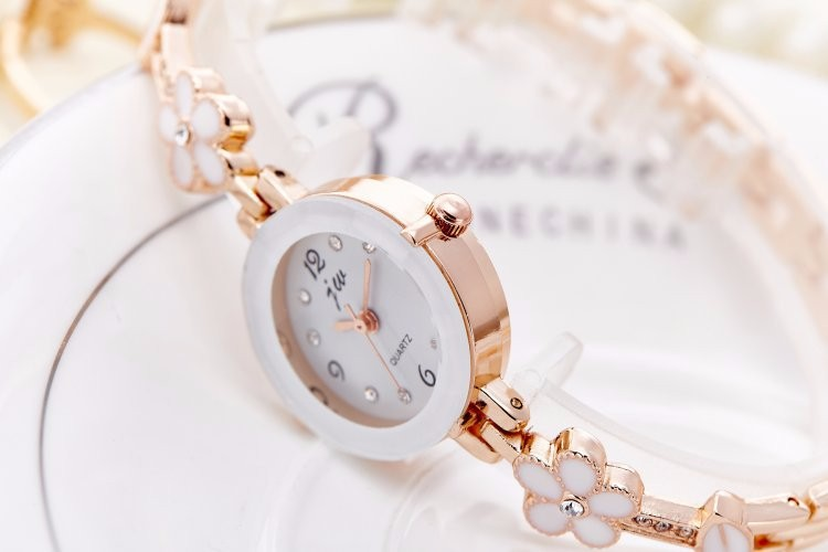 Đồng hồ nữ thời trang dây lắc tay đính hoa xinh xắn WH-8022 9