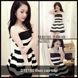 Đầm xòe sọc trắng đen