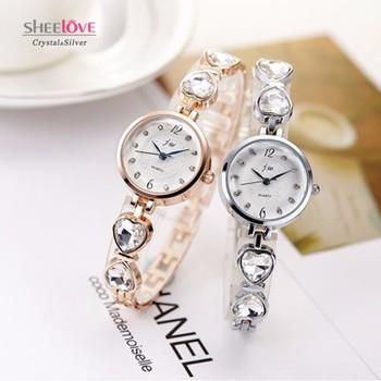 Đồng hồ nữ dây lắc tay thời trang đính đá trái tim WH-8189