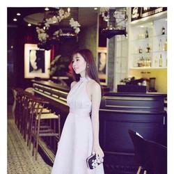 Đầm xòe cổ yếm đơn giản cực xinh