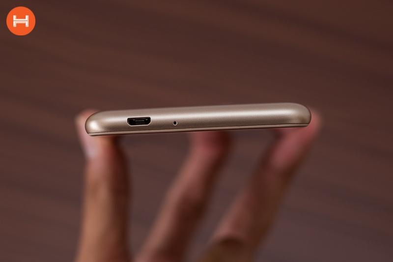 Asus Zenfone 3 Max ZC520TL 12