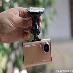 Camera hành trình xe hơi Remax cao cấp