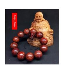 Vòng tay phong thủy gỗ sưa đỏ