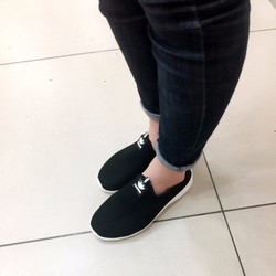 Giày nữ siêu nhẹ, êm chân trẻ trung, năng động