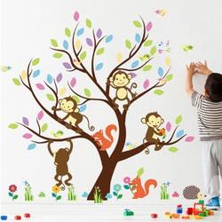 Decal dán tường Cây sắc màu và khỉ con
