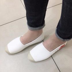 Giày bệt nữ thêu hoa trẻ trung, năng động