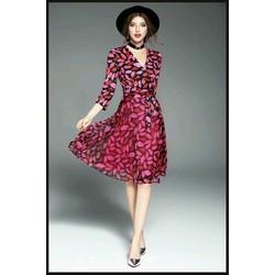 Đầm xòe voan hình môi đáng yêu