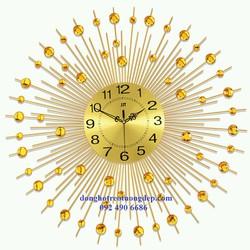 Đồng hồ treo tường trang trí đẹp mặt trời kim cương vàng
