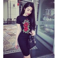Đầm body hoa hồng