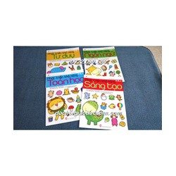 Phát triển trí tuệ của trẻ thông qua các trò chơi dán hình - Bộ 4 cuốn