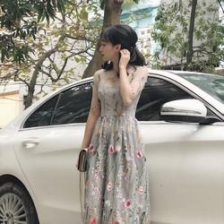 Đầm lưới thêu hoa