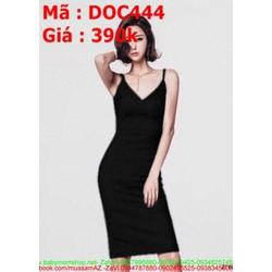 Đầm ôm đen kiểu 2 dây xẻ cổ V sexy và sang trọng DOV444