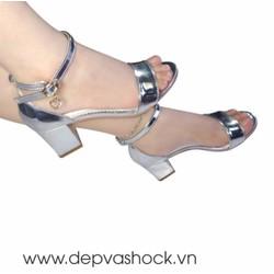 Giày Sandal Bít Gót Bản Ngang Màu Bạc