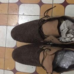 Giày nam sz 40 giá 300k