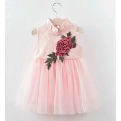 váy công chúa thêu hoa hồng