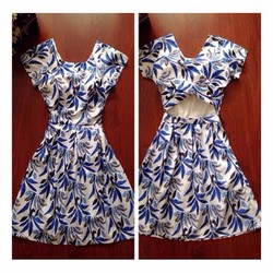 Đầm xòe họa tiết lá xanh
