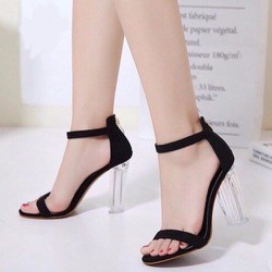 Giày cao gót gót trong quai mảnh khóa gài