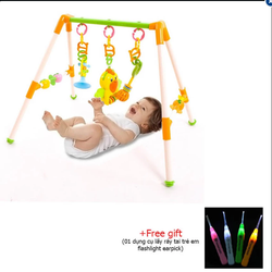 Kệ đồ chơi kiểu chữ A cho trẻ sơ sinh+ tặng 01 dụng cụ lấy ráy ta