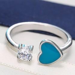 Nhẫn trái tim xanh