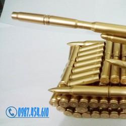 Xe tăng mô hình bằng vỏ đạn