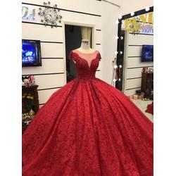 áo cưới đỏ đô tay con tùng ren bồng bềnh