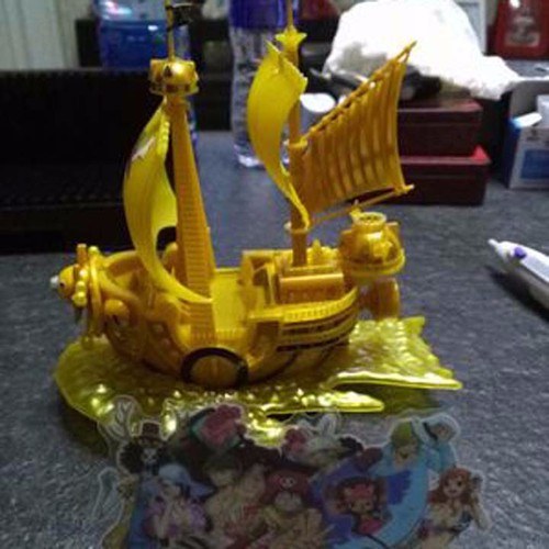 Mô hình thuyền Tàu Thousand Sunny Gold One Piece Luffy