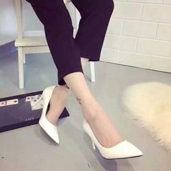 Giày cao gót mũi nhọn