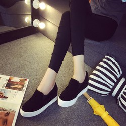 Giày slip on trẻ trung năng động