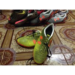 Giày đinh đá bóng