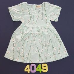 Đầm vải hoạ tiết lạ độc đáo
