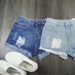 Quần short jeans rách vuông
