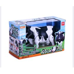 Mô hình con bò sữa biết đi và phát nhạc
