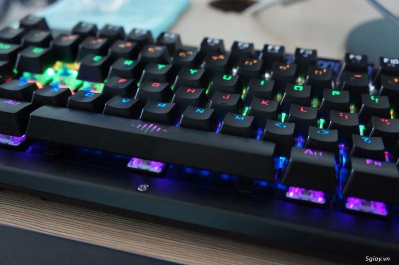 Bàn phím cơ chuyên Game GK2600 2