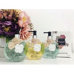 Sữa tắm hương nước hoa BBAESS hoa hồng chai 400ml