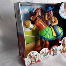 MIỄN PHÍ VẬN CHUYỂN - Cao bồi cưỡi ngựa nâu: Vừa chạy vừa phát nhạc