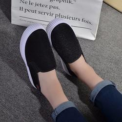 Giày Slip On nữ trẻ trung năng động thoáng mát