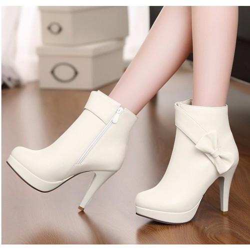 Boot nữ màu trắng cao gót - 4178726 , 5051292 , 15_5051292 , 590000 , Boot-nu-mau-trang-cao-got-15_5051292 , sendo.vn , Boot nữ màu trắng cao gót