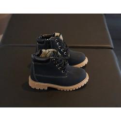 Giày trẻ em combat boot viền chỉ