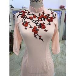 áo dai bưng qua dâu hồng ren hoa mai đỏ