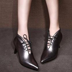 Giày Boot nữ cổ ngắn cột dây - LN1083