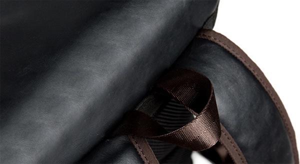 Ba lô da đen nắp khóa chéo 12