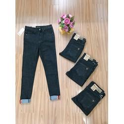 Quần Jeans Thêu Chanel túi