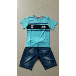 Set đồ bé trai giảm giá gồm áo thun cotton 4 chiều và quần shorts jean