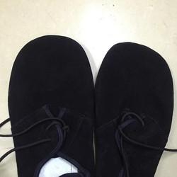 Giày mỏ vịt đá cầu tiêu chuẩn thi đấu