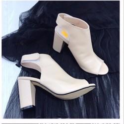 giày boot gót vuông da